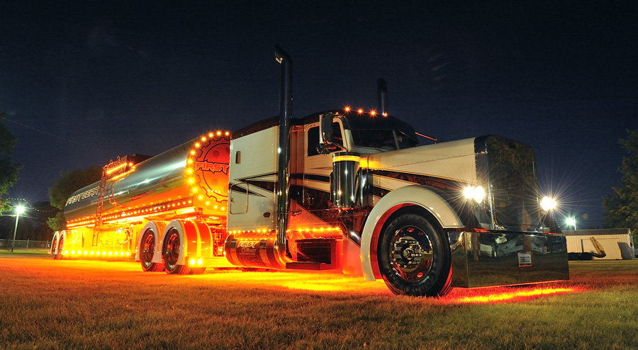 Watch additionally 4504344008 moreover Semi Trucks Wallpapers For Desktop likewise TruckingSchool further 29015 1992 toyota cc. on mack semi dump trucks